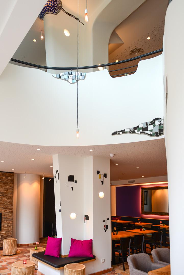 Galeriebild / Wiederaufbau und Renovierung des Stadtcafé Ottensen nach Entwürfen von Friedensreich Hundertwasser