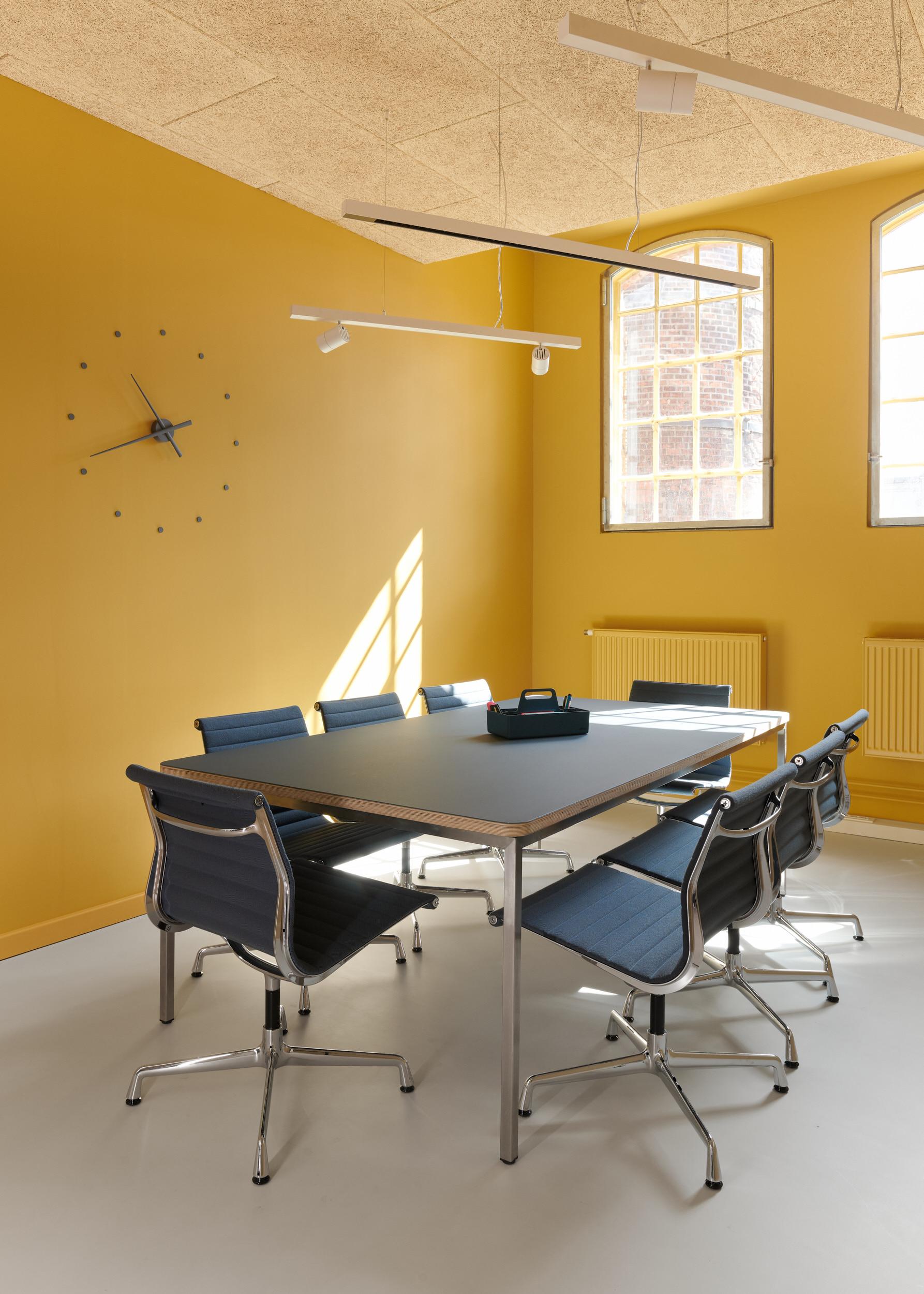 Galeriebild / Jimdo Beleuchtung der Büroflächen in den Kreativhöfen Stresemannstraße 375